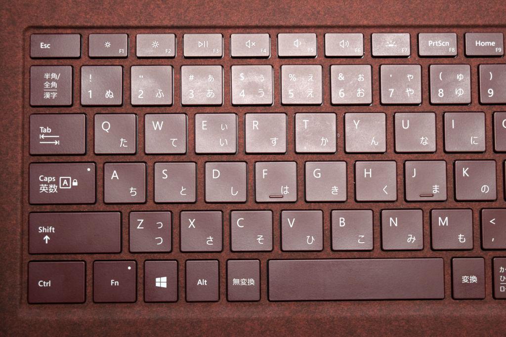 Surface Laptopキーボード 左側拡大