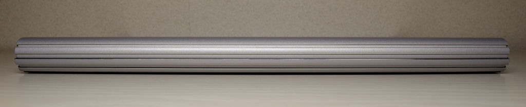Surface Book 2 背面
