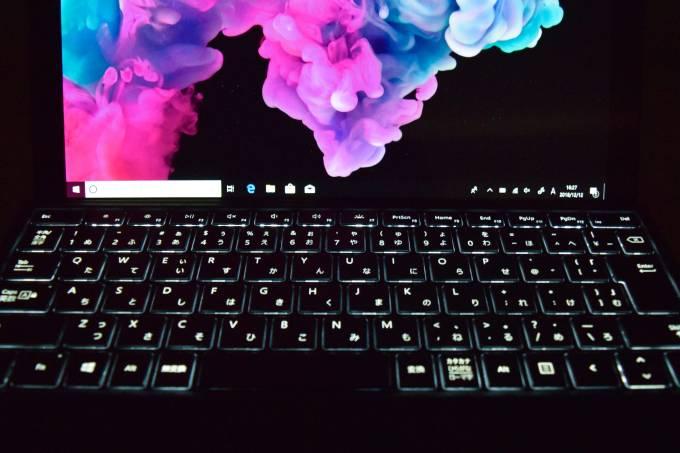 Surface Pro 6のタイプカバーにはバックライトが搭載されている